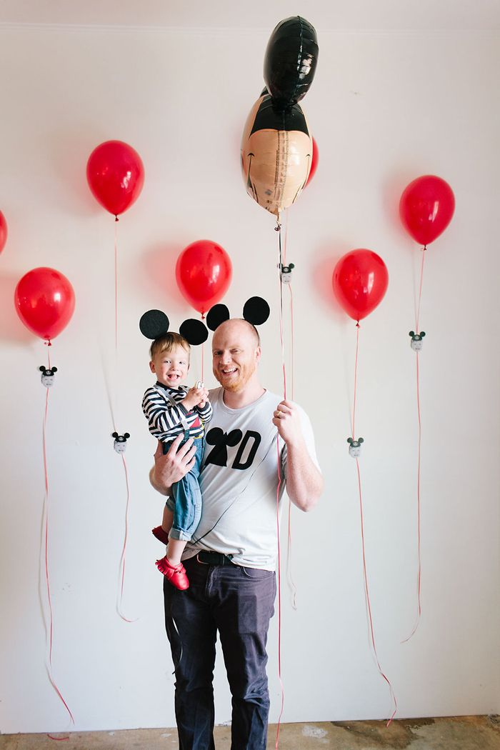 modern-mickey-mouse-birthday-party-22
