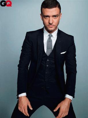 細めのタイに襟の小さいシャツを合わせた上級者コーデ♪ 男性列席者のスーツまとめ。ウェディング・ブライダルの参考。