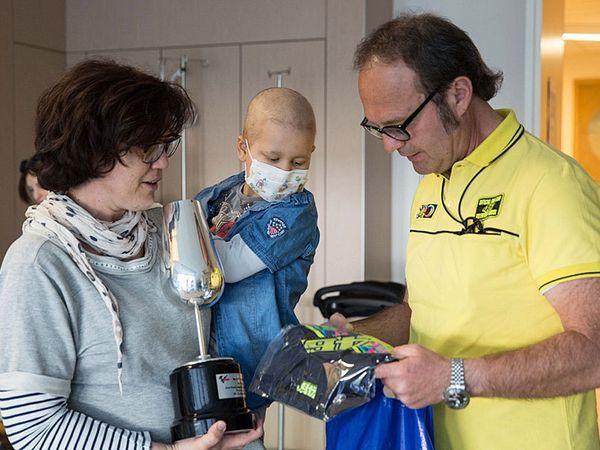 Setelah keberhasilannya di MotoGP Spanyol pekan lalu, Valentino Rossi telah berjanji melakukan kebaikan yaitu untuk membantu sekelompok pasien anak di Parma. Li
