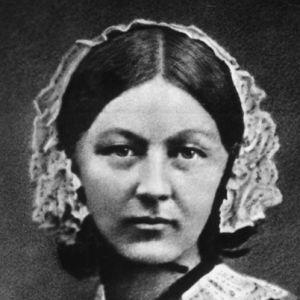La enfermera y estadística Florence Nightingale (1820-1910) nació un 12 de mayo. En su honor, cada 12 de mayo se celebra el Día de la Enfermería