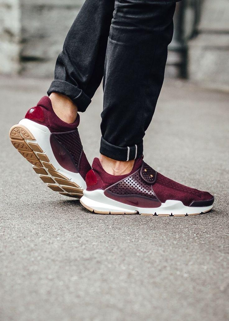 Nike Sock Dart: Red