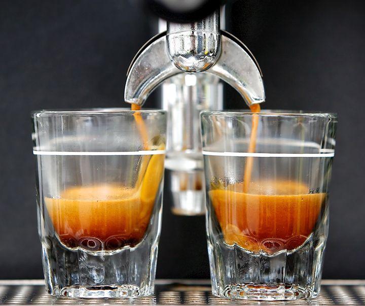 PIĄTEK WEEKENDU POCZĄTEK Zaczynamy od wizyty w coffeeheaven w GH Sky Tower  https://www.facebook.com/coffeeheaven