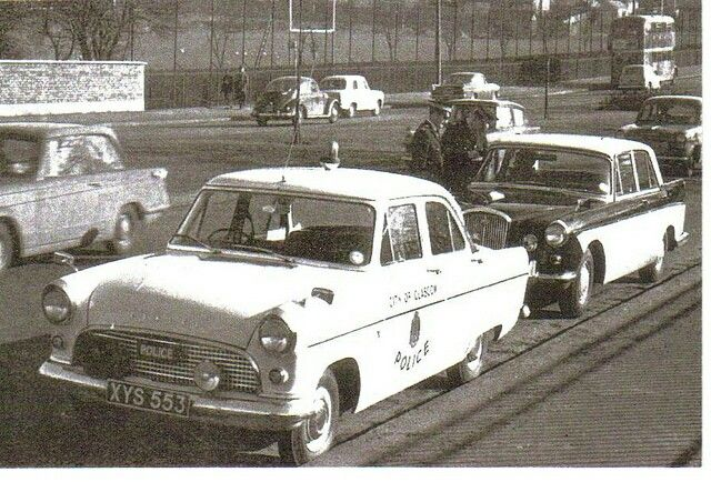City of Glasgow Police Ford Consul Traffic car. Photo taken on Great Western Road. (1961) pic:undercoverelephant