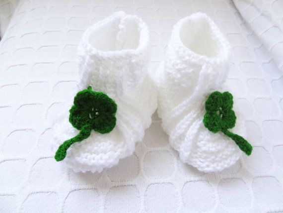 baby knit booties  white green embroidered  booties by SwomanStore