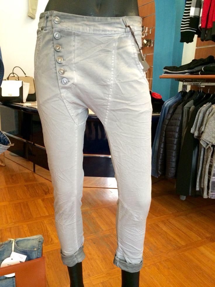 Pantaloni a cavallo basso - Vari colori disponibile in tutte le taglie  - 38.70 € -   #blacksheepcertaldo #varicolori #solodanoi #tendenza #soloilmeglio #blacksheep #certaldo #springsummer2015