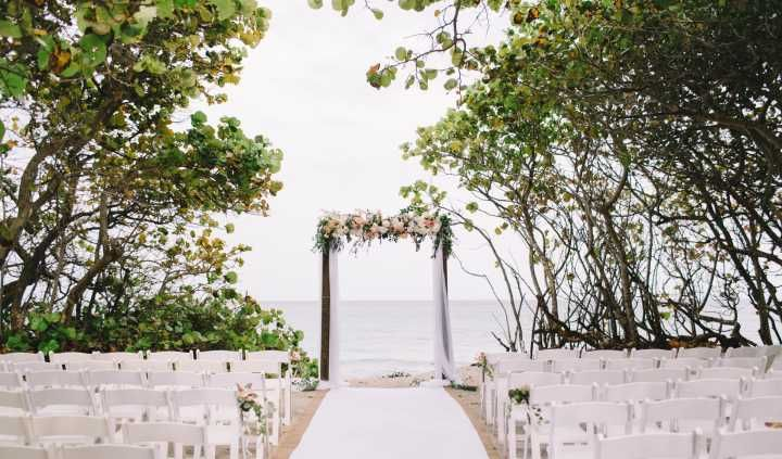Jupiter Beach Resort Spa Venue Jupiter Fl Weddingwire Jupiter Beach Resort Jupiter Beach Beach Wedding Locations