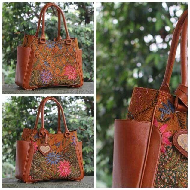 Bag : Lovely Batik  Batik  : Nuri Tas Tenun dan Batik