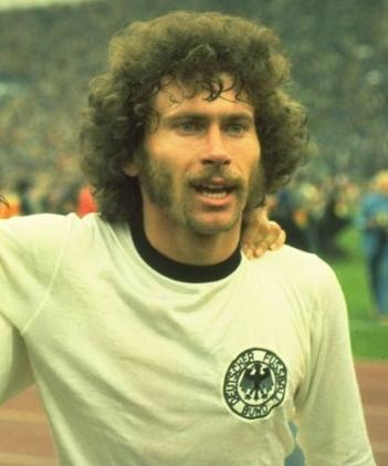 Alexander V Wesley Paul Breitner, German footballer, rocked the chops.