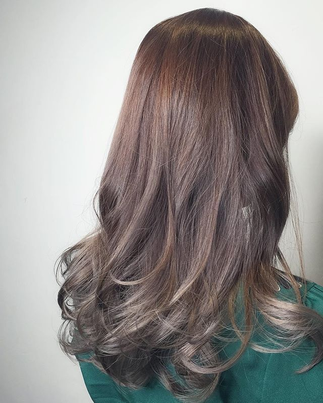 Ash brown Baby ombré Balayage ********** CLEO hair international call here 63385250 for book appointment Hair done by @takuyaxtakuya #hair #haircolor #hairstyle #japanese #hairstylist #singapore #singaporean #color #colors #colour #colours #highlight #highlights #babylights #babylightsombre #ombre #balayage #takuyahair #cleohairsg #colourmelt #transformation #makeover