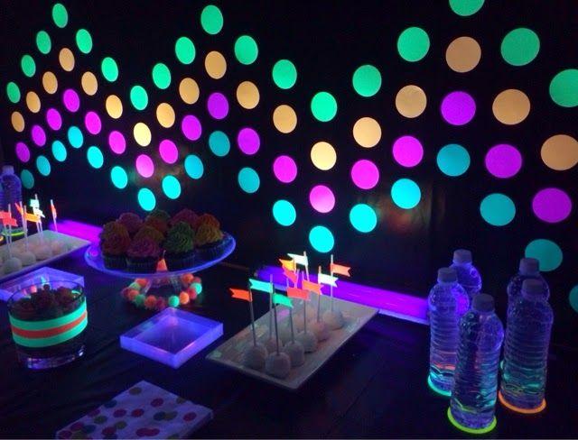 poca cosa: Glow in the dark party