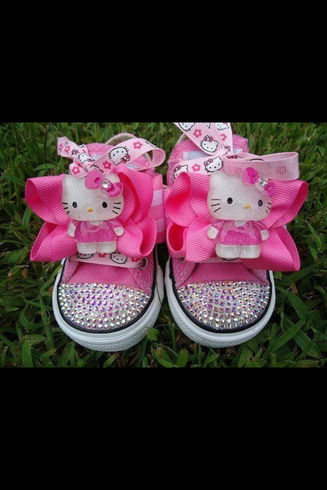 Hello Kitty ... Pretty sure I could make these up for Abby & Maddie... Maybe not EXACTLY but close to it!