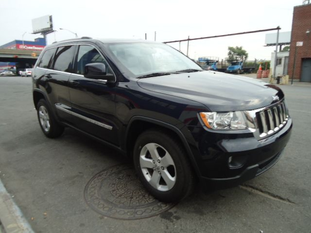 Salvage and Repairable Cars : 2011 JEEP GRAND CHEROKEE for Sale