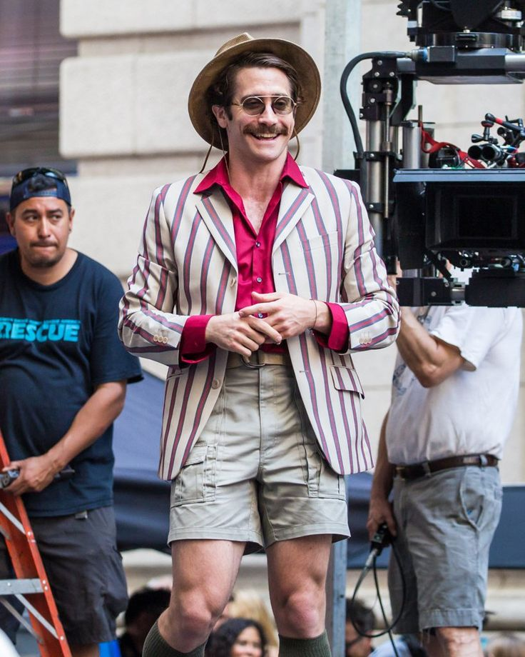 Jake Gyllenhaal Looks Unrecognizable While Filming His New Movie in NYC