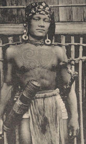 Bakatan warrior photographed near the Rejang River, sourced from http://www.vanishingtattoo.com/borneo_tattoos.htm #borneo #tattoo #sarawak