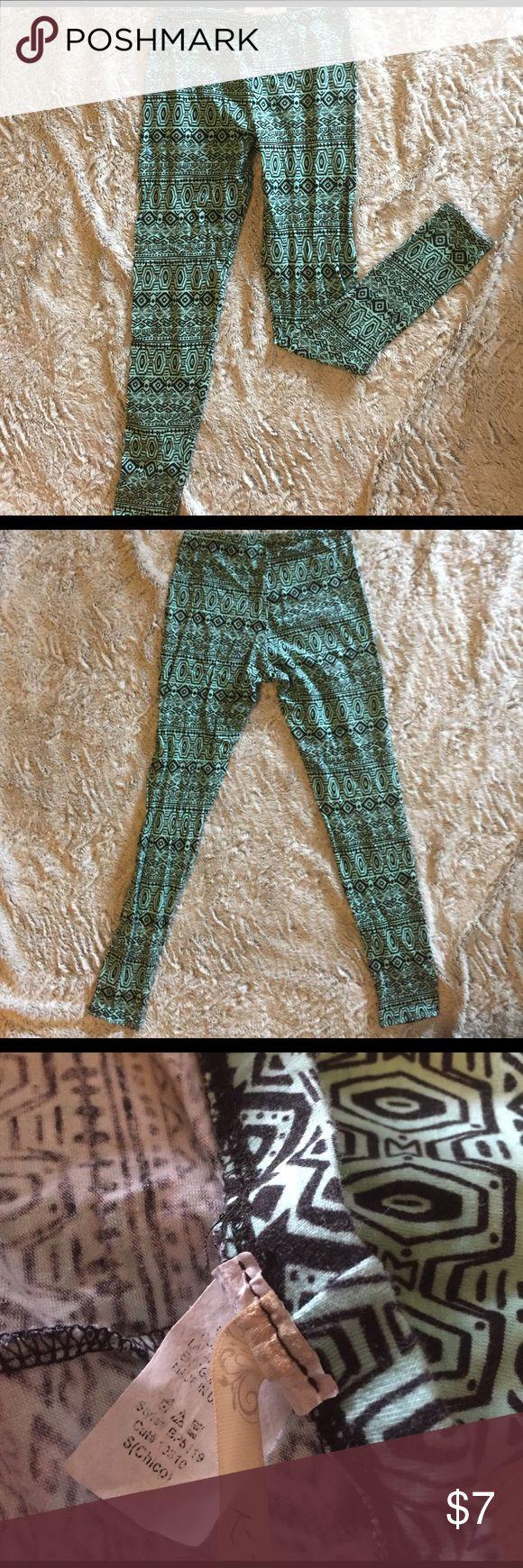 TRIBAL PRINT LEGGINGS Tribal print // excellent condition // comfortable // hardly worn Pants Leggings