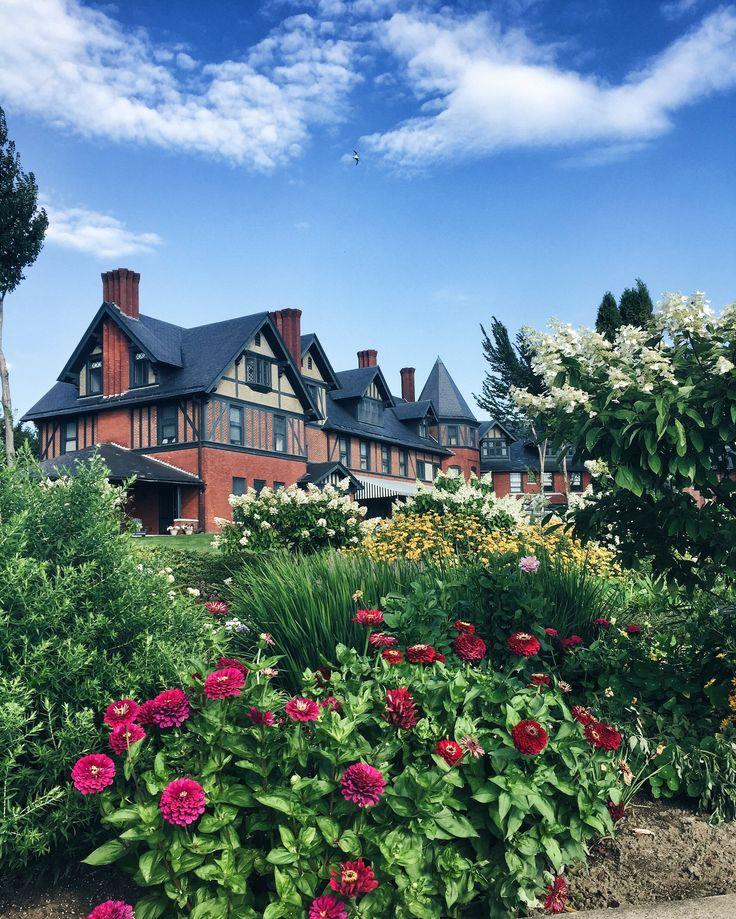 Perfect Vermont Summer Escape - Inn at Shelburne Farms | Shelburne, Vermont | Caitlin and Cole Creative Blog
