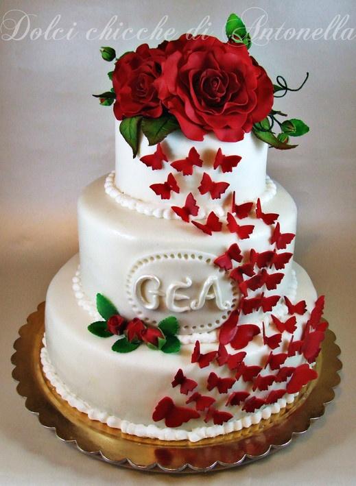 Garden roses and butterflies cake