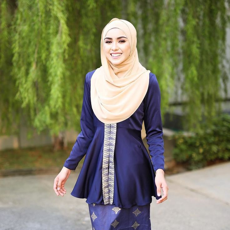 Sold Out. Whatsap Sale!! Kyla Songket in Navy Blue colour  Retail price: RM229 Sale Price : RM180 Size available: L & XL (Limited Pieces Only) Measurement chart: #kylasongketchart  Cara pembelian melalui whatsapp :  1) Nama 2) Postage Address 3) Order Item ; Backup Order 4) Send to : 0196731822 (Admin)  Thank you and happy shopping   #minimalace by minimalace