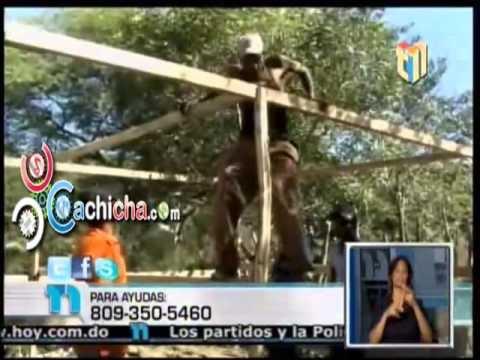 Estudiante Ayudan A Pareja De Ancianos Enfermos #Telenoticia #Video - Cachicha.com