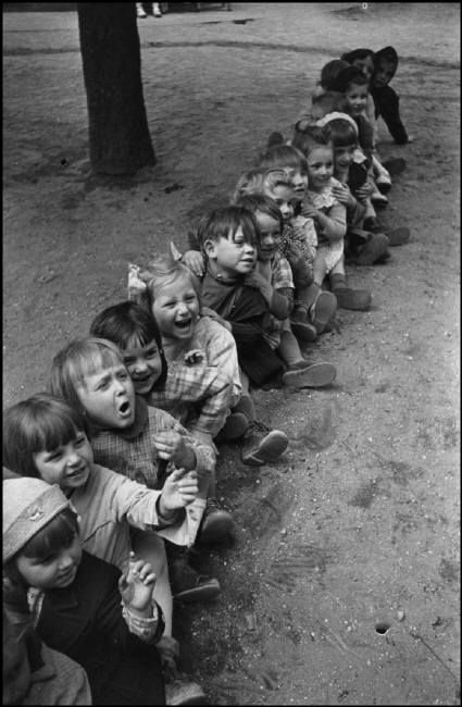 Henri Cartier-Bresson :: Children at school playground, France, 1938