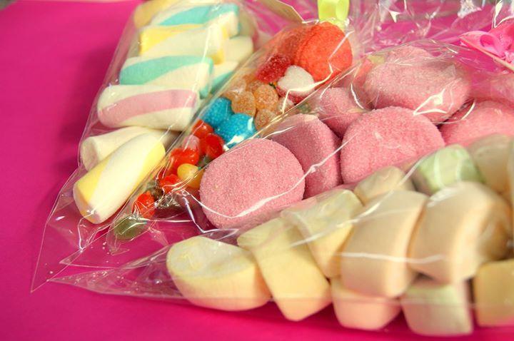 Wszystkiego po trochu- czyli rożki piankowe z żelkami :D   #marshmallows #mellowmellow #jelly #żelki #pianki #owocowe #kolorowe #jellybeans #malinki