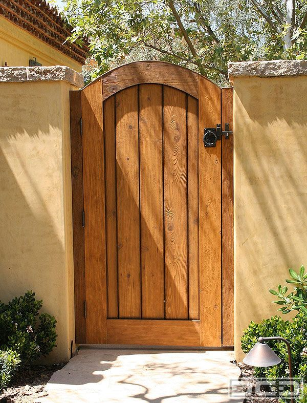 The 25 best rustic fencing and gates ideas on pinterest for Rustic fence ideas