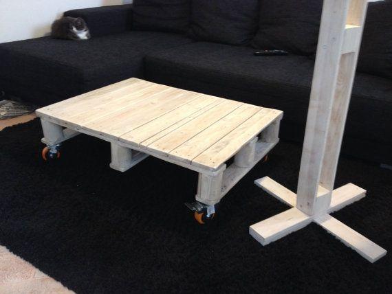 tavolino caffè fatto a mano con legno di bancale di GARAGEbySilvio