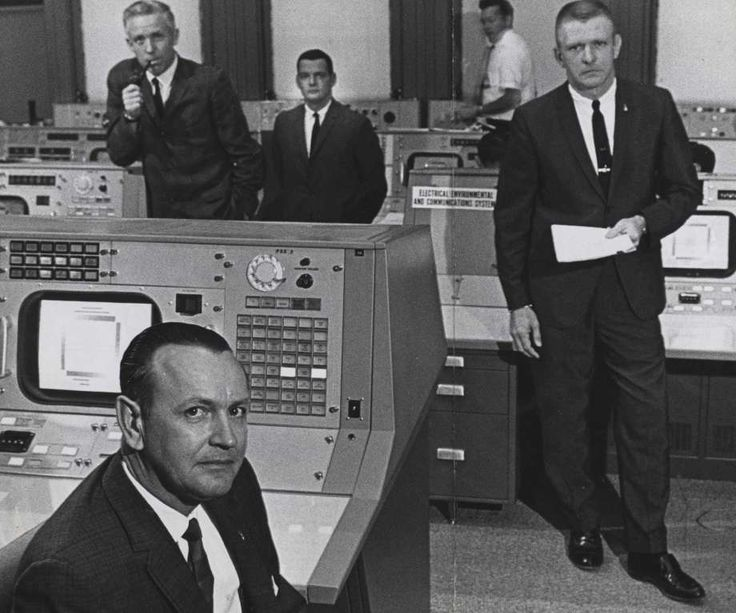 At Mission Control, Chris Kraft guided astronauts from launch to landing - http://www.chron.com/local/history/medical-science/article/At-Mission-Control-Chris-Kraft-guided-astronauts-9230869.php #Chron115