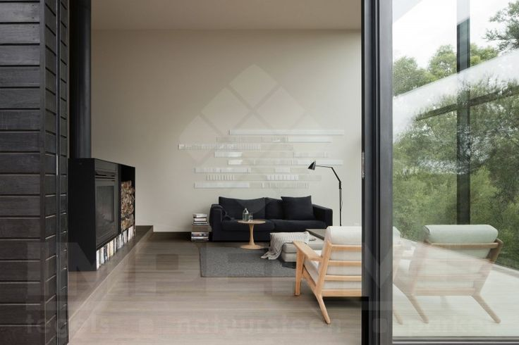 #tilestone #ecowood #eucalyptus  Dit #keramisch #parket evenaart de warme uitstraling van echt hout. Een #vloer met het gevoel van hout en toch alle voordelen van onderhoud. Keramische parketplanken zijn dé oplossing. Ideaal voor in de badkamer.  Geschikt in combinatie met vloerverwarming: Opgelet! flexibele tegellijm, flexibel voegmiddel, dilatatievoegen waar nodig.  Slijtvast, vlek- en krasbestendig.  Geen onderhoud zoals vernissen, oliën, afschuren,...  Kleine voegen.
