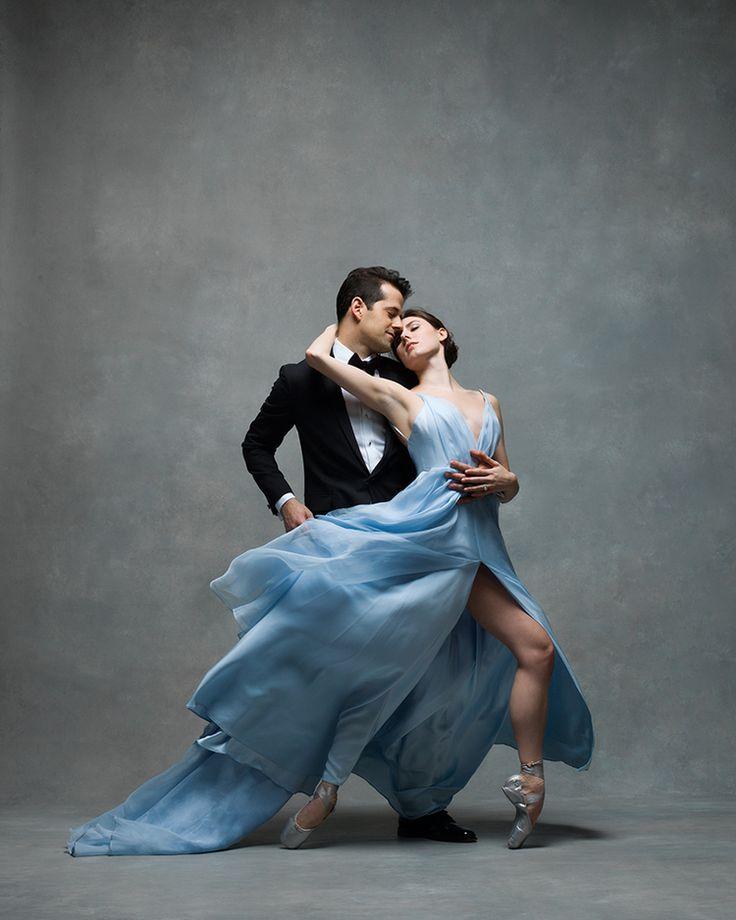 этого красивая пара в танце картинка прилёту, сразу отметили