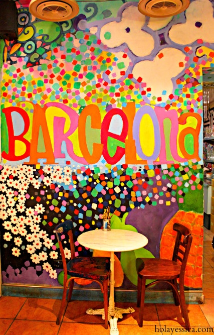 Barcelona's Juicy Jones - a vegan restaurant in Spain, the country of jamón. And guess what? It's got amazing food, too!