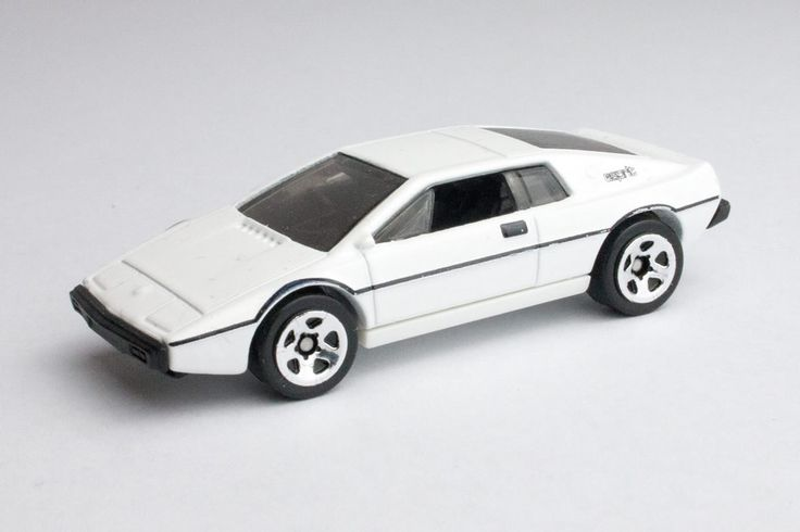 Hot Wheels James Bond Lotus Esprit S1 (The Spy Who Loved Me) – Modelmatic