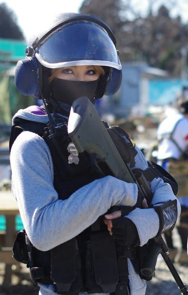 IQ Rs siege cosplay