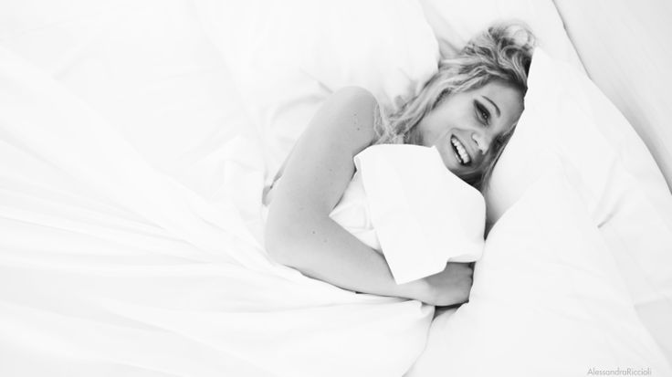 www.behance.net/alericcioli #girl #bed #morning #morninghumor #fashion #smile #happy #happiness #hair #blackandwhite #alericcioli