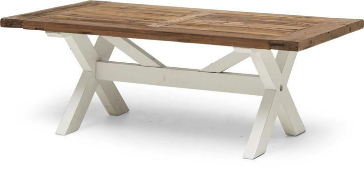 Brunch soffbord i vaxat återvunnet trä och rustik vitlack. Brunch är rustika möbler, som har den rätta lite slitna patinan. Varje möbel är unik, eftersom delar av dem är tillverkade i återvunnet trä. Träytorna är vaxlackade o har en mjuk känsla. Övriga delar på möbeln är i rustik vitlack.