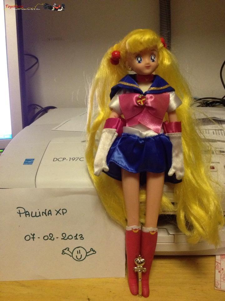 Come da titolo vendo bambola Sailor Moon Giochi preziosi anni 90. E' perfetta:ha tutti gli accessori e la vendo per €35. Nel prezzo NON sono incluse le spese di spedizione che saranno a carico dell'acquirente:pacco celere3 €9.90 o postafree €7. Accetto pagamento postepay