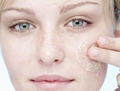 Como fazer esfoliantes caseiros para o rosto - 7 passos