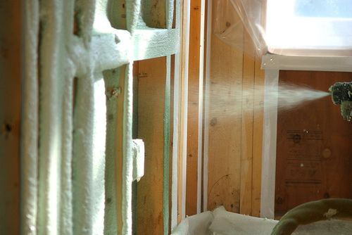 Open cell vs closed cell spray foam insulation tiny for Foam home construction