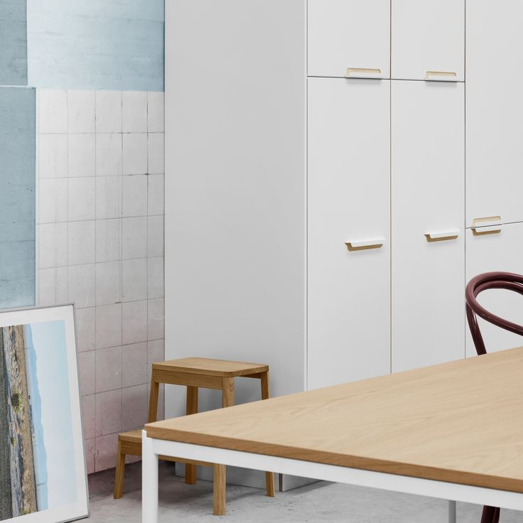 Sigurd Larsen's kitchen design for Reform in aluminium with a powder coating in white or anthracite. It's an IKEA hack.