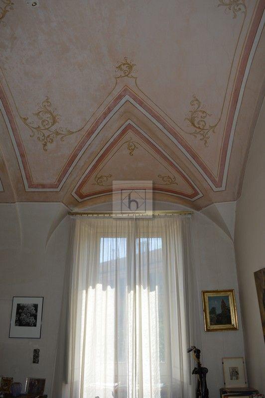 Castelletto salita Multedo • Vendita Genova • Studio Haupt  #vaultedceilings #living #livingroom #Italy #lovedetails #antique #decorations #pink #pinkceilings