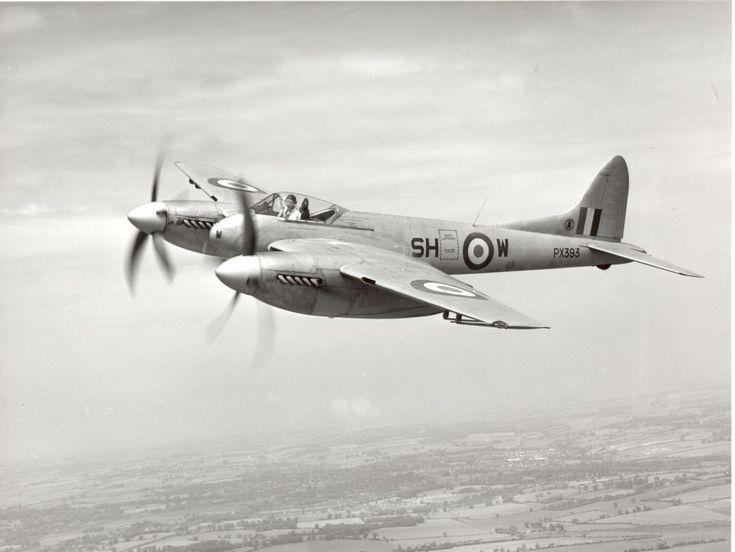 WWII 1944 - Royal Air Force (RAF) / Royal Navy Fleet Air Arm (RNFAA) de Havilland Hornet (Twin-Engined Piston Fighter)