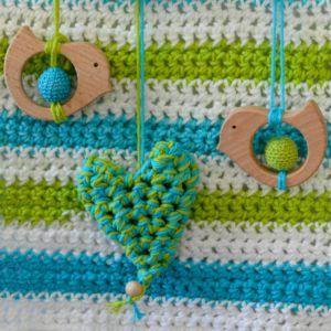 oiseaux-coeur-crochet-sur-cintre