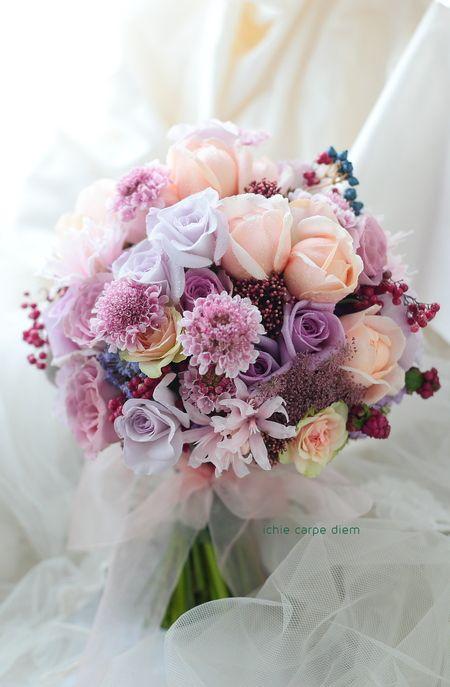 10月のリストランテASOの花嫁様、 お色直しのブーケでした。 まだブーケを載せていなかったことに気づいて今ご紹介を。 その花嫁様から翌日いただ...