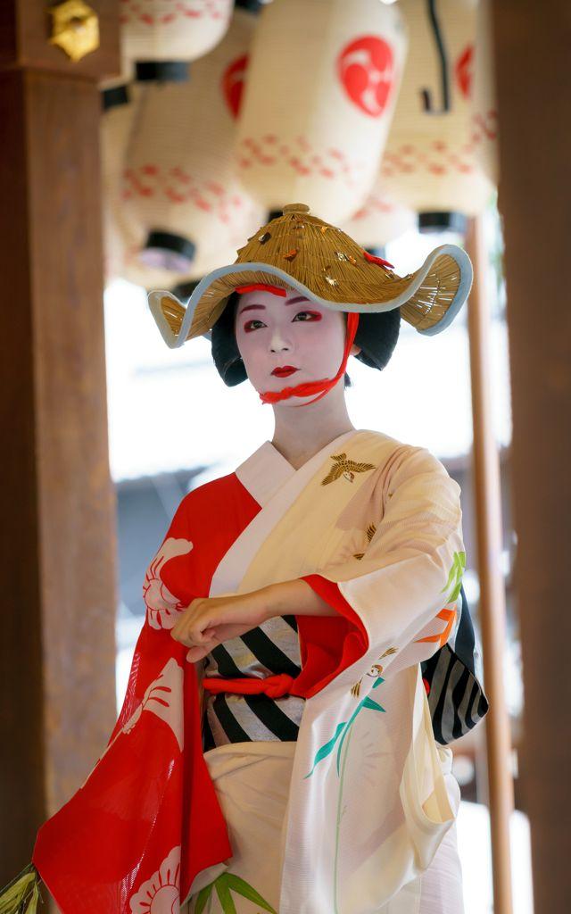 雀踊り(Sparrow dance) 舞妓 maiko 実佳子 mikako 舞踊奉納 KYOTO JAPAN