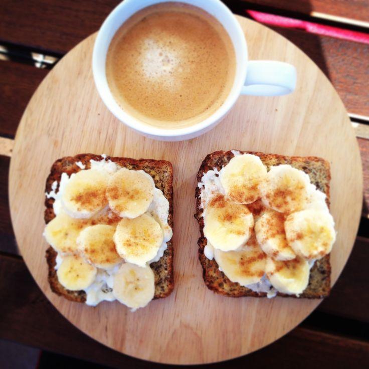 12wbt Banana Bruschetta - such a scrumptious way to start the day