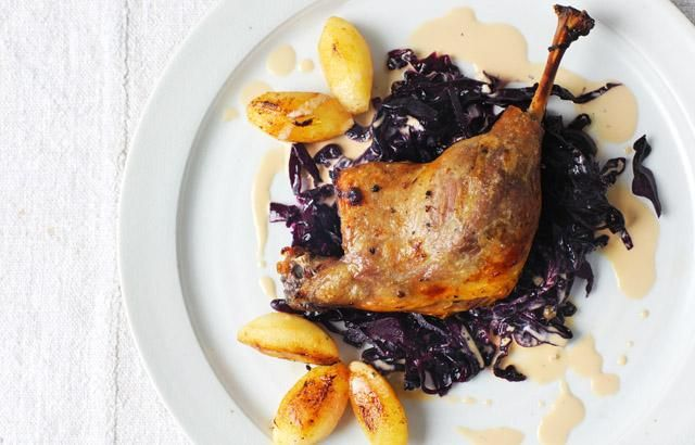 Braised Duck Leg, Red Cabbage & Caramelised Apples Recipe