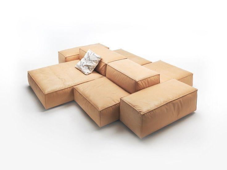 Photo de canapé beige modulable pour gain de place dans petite pièce → touslescanapes.com