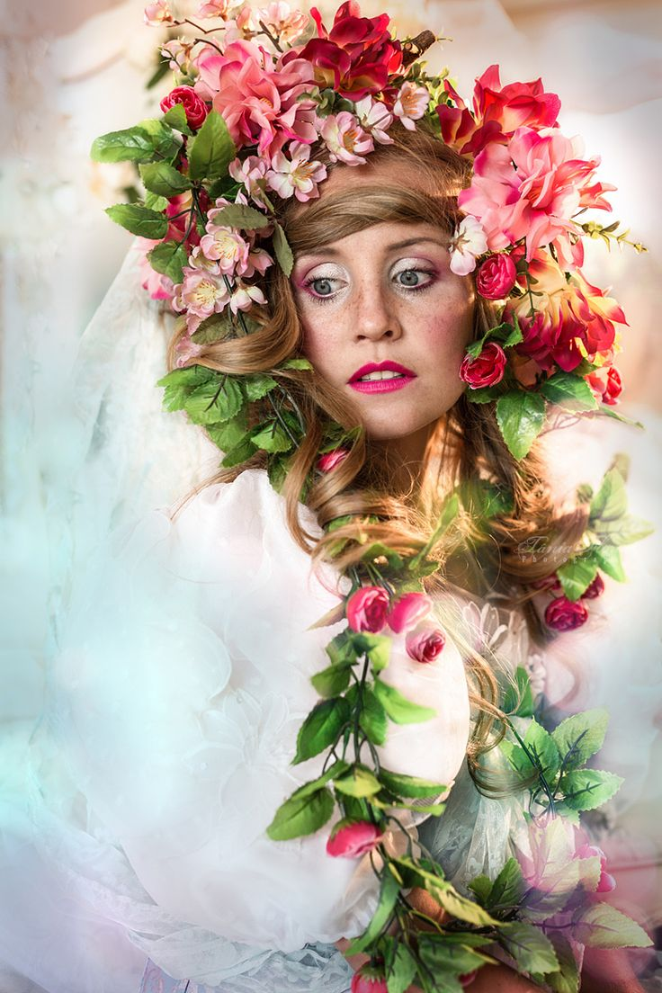 Lady of the flowers by Tania Flores Photography / 500px