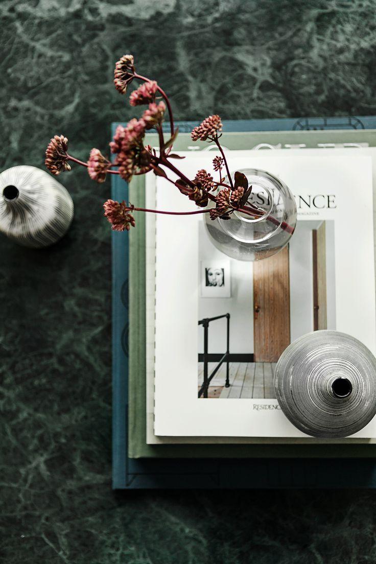 Interiör vardagsrum soffbord grön marmor Hammarby Allé 53 B | Fantastic Frank
