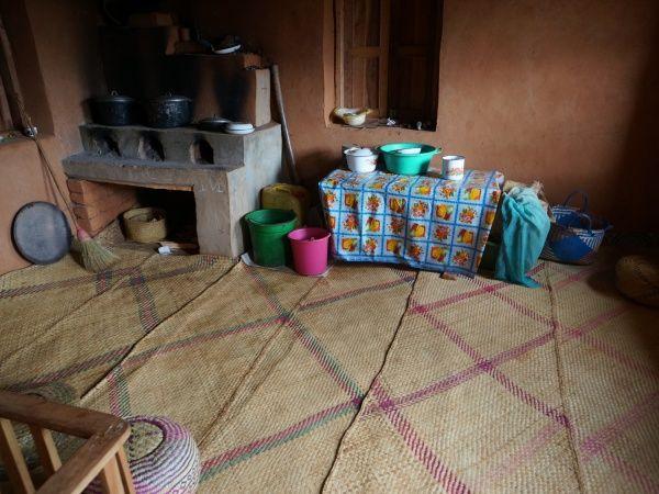 Trano Gasy (Malagasy House) http://www.madacamp.com/Trano_Gasy